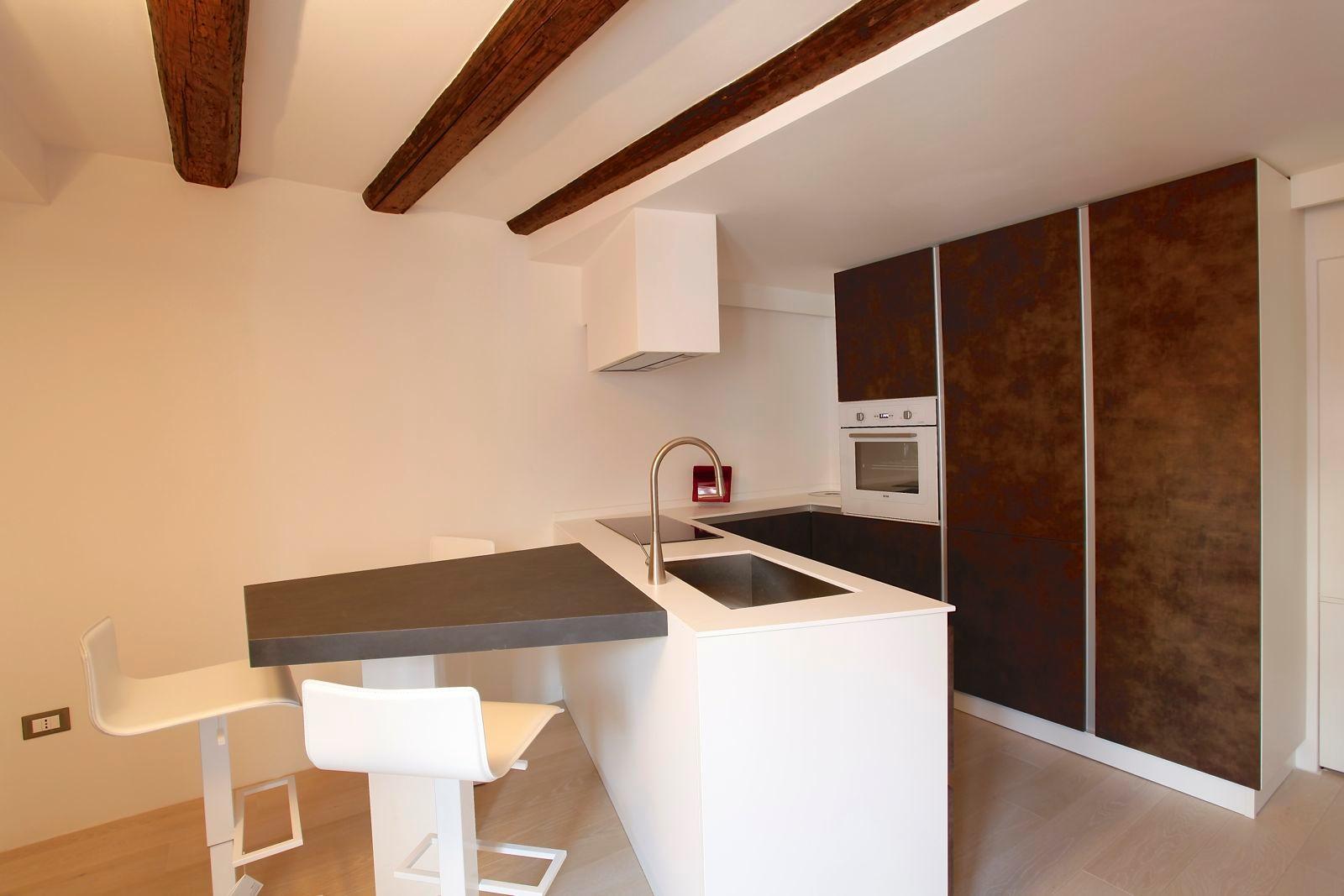 Ristrutturazione completa appartamento - Cucine per miniappartamenti ...